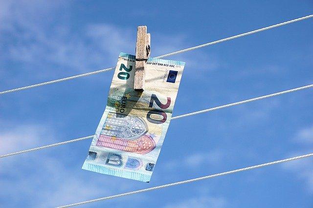 Spalarea banilor